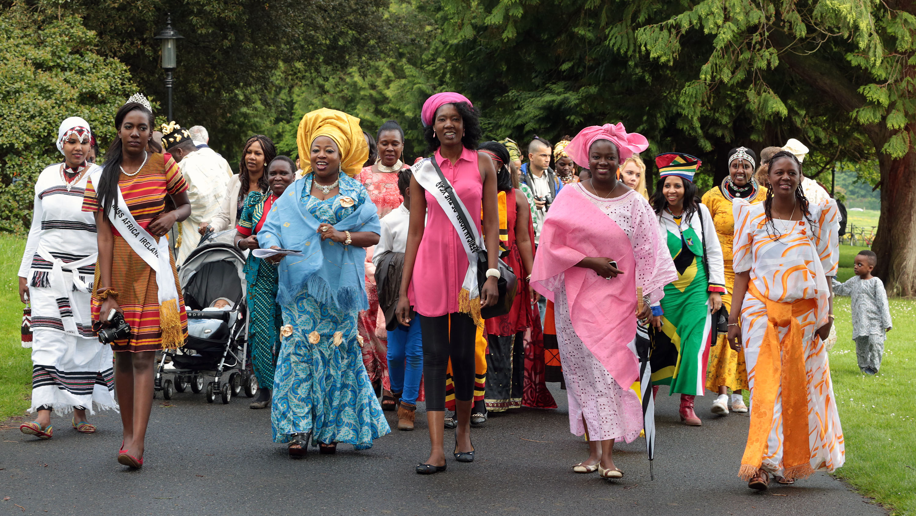25/05/2014 REPRO FREE PIC SHOWS:  Pictured today (25.05.2014) at the flagshipAfrica Day 2014festival at Farmleigh Estate in Dublin's Phoenix Park were:  Flagship Africa Day 2014 Festival takes place at Farmleigh – Africa Day 2014 Celebrates Partnership between Ireland and Africa - Africa Day is supported by Irish Aid at the Department of Foreign Affairs and Trade. For more information, visitwww.africaday.ie. Contact:Sarah Harte / Catherine Heaney, DHR Communications, Tel:087-9858259 / 087-2309835 Irish Aid is the Government's programme for overseas development. It is managed by the Development Co-operation Division of the Department of Foreign Affairs and Trade. Further information is available atwww.irishaid.ie.Check out Africa Day on social media: on Twitter@AfricaDay, hashtag #africaday; on Facebook atwww.facebook.com/africadayireland. PIC: CONOR Ó MEARÁIN  NO FEE